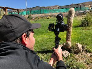 Stefan mit Vlogging-Kamera